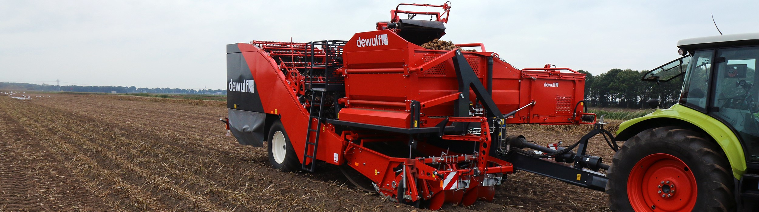 Trailed 2-row sieving harvester