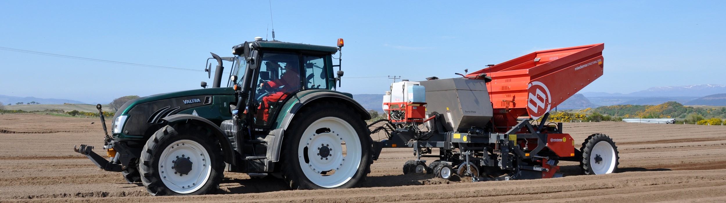 Mounted or trailed 2-row belt planter