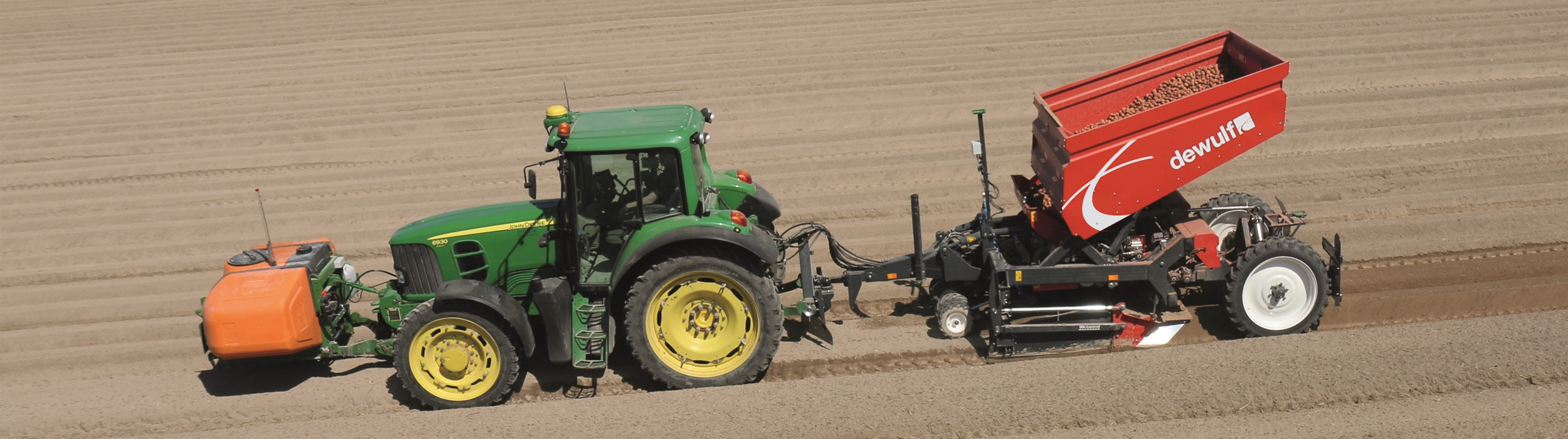 Trailed 3-row belt planter