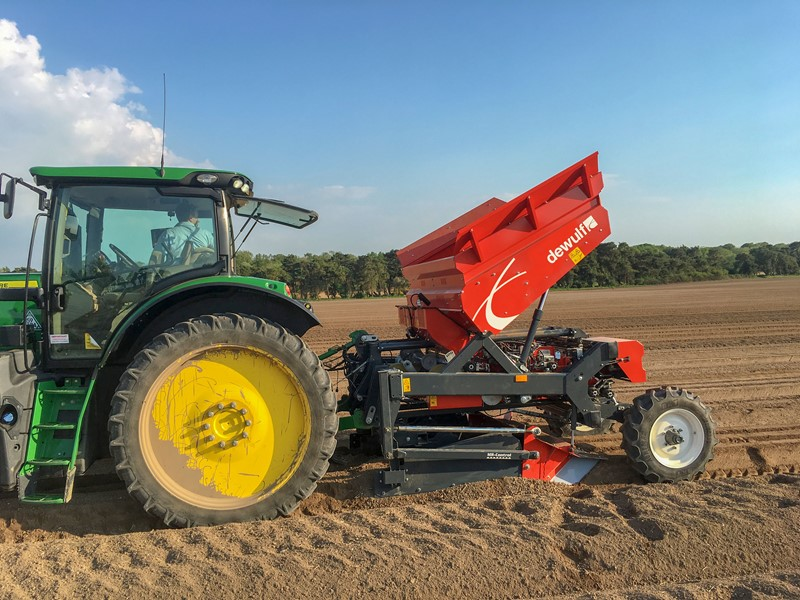 Dewulf is bringing a worldwide premiere to SIMA '19 with the unveiling of the very first mounted 3-row belt planter